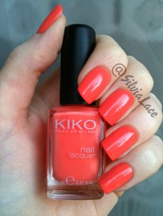 Silvia Lace Nails: Kiko 358. Isn't it just perfect for Spring?
