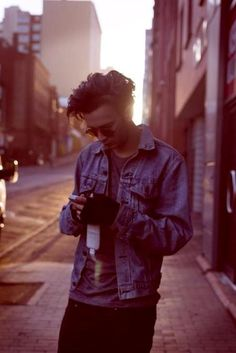 matt healy. #1975 hairstyle. clothes. him.