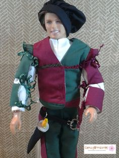 Free, printable muffin cap sewing pattern and tutorial found at ChellyWood.com (Renaissance costume pattern and sword making sewing tutorial for Ken dolls also found there).