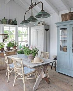 Rustic Home Decor .Rustic Home Decor Shabby Chic Kitchen, Shabby Chic Homes, Vibeke Design, Farmhouse Chic, Farmhouse Design, Swedish Farmhouse, Cheap Home Decor, Home Fashion, Home Remodeling