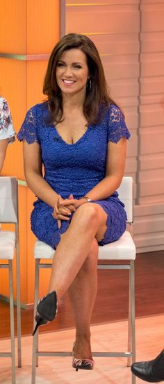 7 times saucy Susanna Reid's office wardrobe was NOT suitable for work! Beautiful Old Woman, Gorgeous Women, Beautiful People, Gorgeous Lady, Beautiful Legs, Susanna Reid Legs, Susanna Reid Stockings, Sexy Older Women, Sexy Women