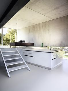 Large, open plan contemporary kitchen with concrete details Living Room White, White Rooms, Living Rooms, Home Library Design, House Design, Minimalist Interior, Modern Minimalist, Amazing Spaces, Cuisines Design