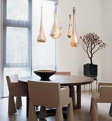 Eetkamer Verlichting met Sfeervolle Hanglampen Boven de Eetkamertafel ...