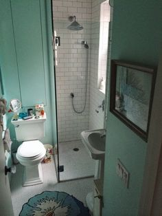 tiny bathroom layout // Rachel's West Village Nest Small Cool Contest Apartment Therapy