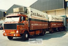 Volvo F 89 met koelaanhanger van J. v/d Kwaak in Hillegom Volvo Trucks, Tow Truck, Vintage Trucks, Classic Trucks, 50 Fashion, Vr, Diorama, Cars And Motorcycles, Sweden