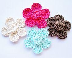 Five Petal Daisy Free Crochet Pattern by Cheryl Murray ILuvSandals