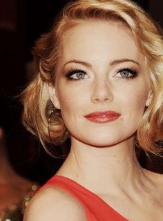 Emma Stone. Absolutely fabulous <3