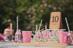 Puutarhajuhlien kattaus.  #gardenparty #puutarhajuhlat #tablenumbers #pöytänumerot #kattaus #tablesetting Table Settings, Candles, Place Settings, Pillar Candles, Lights, Candle