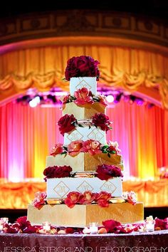 Such a beautiful cake intended for a very extravagant wedding