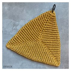Crochet Bikini, Knit Crochet, Crochet Hats, Chrochet, Knitting Designs, Pot Holders, Crafts, Diy, Perler