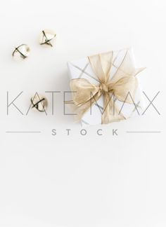 Prettiest Christmas images for ya! Ready for you to use on your Blog, Insta or online Shop!  Prettify your Instagram feed with professional, on-brand Styled Stock images! KateMaxStock.com  KateMaxStock Members get INSTANT ACCESS to over 2000 Styled Stock images!  Styled Stock Photography / Flat Lay / Product Mockup / Pretty Office / Branding / Office Styling / Pretty Office / Social Media Background / Instagram Image / Blog Photo / Photos for your Blog / Timeless Christmas / Christmas…