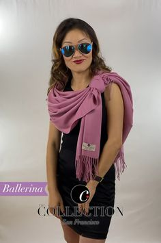 Online shopping from a great selection at Maggie's Timeless Collection Store. Ways To Tie Scarves, Ways To Wear A Scarf, How To Wear Scarves, Scarf Wearing Styles, Scarf Styles, Scarf Knots, Diy Scarf, Diy Fashion Hacks, Fashion Outfits
