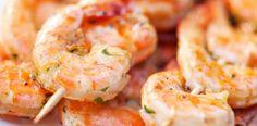 Brochettes de crevettes marinées pour l'apéro