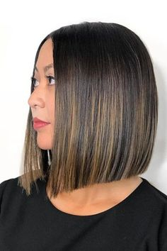 Brown Hair Color Ideas That'll Make Brunettes Feel Fresh and Fabulous for Tawny Touches Ombre Bob Hair, Ombre Hair Color, Brown Hair Colors, Trending Hairstyles, Short Bob Hairstyles, Bob Haircuts, Hair Shades, Short Hair Cuts, Hair Trends