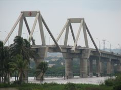 """Bridge """"Puente Pumarejo"""" over the Magdalena River, Barranquilla, Colombia. Largest Countries, Countries Of The World, Ecuador, Colombia South America, Spanish Speaking Countries, Caribbean Sea, Vacation Spots, Beautiful Places, Places To Visit"""