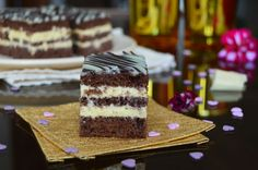 Prajitura cu cacao si mascarpone | Miremirc Romanian Desserts, Chia Seeds, Tiramisu, Sweet Treats, Cheesecake, Coconut, Cooking Recipes, Ethnic Recipes, Bun Bun
