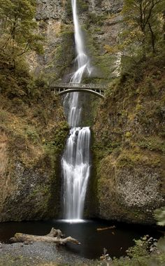AND a bridge!! Is there a better natural pairing that Multnomah Falls, OR?