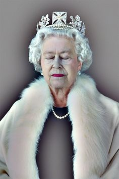 Her Maj by Chris Levine. Photographer and visual artist Chris Levine seeks to illuminate the power inherent in stillness.
