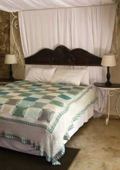 Pattern 15: Karoo Bedspread from Vinnis Colours -  free pattern
