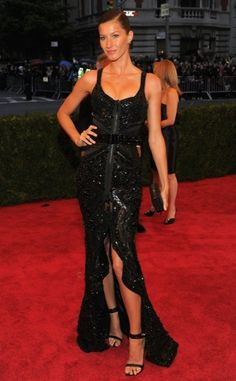 Giselle Bundchen in Givenchy...