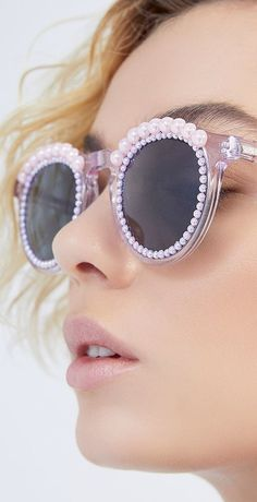 bfea3c7d1123 M'O Exclsuive Tosca Lilac Dunglasses by Freda Banana Resort 2019 Wildfox,  Brollies,
