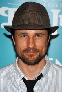 Martin Henderson was born in Auckland, New Zealand. He began acting when he was age 13, appearing in Strangers, a local television production. He attended Westlake Boys High School and Birkenhead Primary. He first became a star in his home country, when he starred in the series, Shortland Street