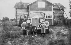 Luotolaisten kuva-albumit pelastettiin verkkoon–Hailuodon Topoteekissa on jo yli tuhat vanhaa valokuvaa | Oulu | Kaleva.fi Historia