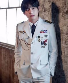 Kim Taehyung ☆ Photoshoot ☆ Picture: Big Hit Entertainment ☆ Credits by BTS Official Fancafe ☆ Edit by cglassend Jimin, Bts Bangtan Boy, Daegu, K Pop, Foto Bts, Boy Scouts, V Bts Cute, Boy Band, Bts Kim