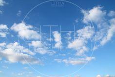 Wolken am blauen Himmel. #himmel #wolken Designer, Clouds, Outdoor, Photo Studio, Landscape, Architecture, Nature, Photo Illustration, Outdoors
