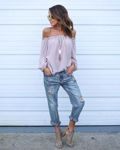 An off the shoulder silhouette is our favorite and our Yucca Top cant be missed! A mauve hued top with an elastic banded neckline with ruffle detail. The neckline will keep you secure and comfortable