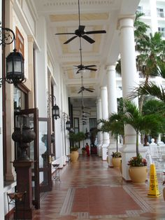 gorgeous hotel and property -Riu Palace Las Americas
