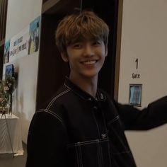 He has the most beautiful smile on earth Nct U Members, Nct Dream Members, Nct 127, Sehun, Nct Dream Jaemin, Na Jaemin, Winwin, Best Memes, Taeyong