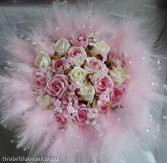 اجمل باقات للعرائس 2016 , باقات ورد شيك 2017 img_1463091766_230.j Wedding Bouquets, Pink White, Christmas Wreaths, Floral Design, Floral Wreath, Feather, Tulle, Bride, Crystals