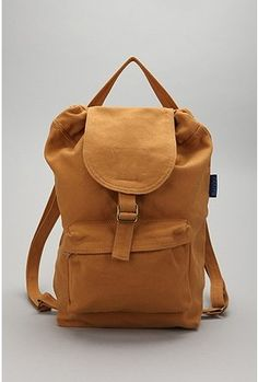 Plain back pack, could fit my gym shoes easy Canvas Backpack, Backpack Bags, Leather Backpack, Estilo Cool, Mens Trends, Cute Bags, Bag Accessories, Purses And Bags, Urban Outfitters