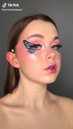 Eye Makeup Designs, Eye Makeup Art, Smokey Eye Makeup, Skin Makeup, Eyeshadow Makeup, Helloween Make Up, Butterfly Makeup, Amazing Halloween Makeup, Creative Eye Makeup