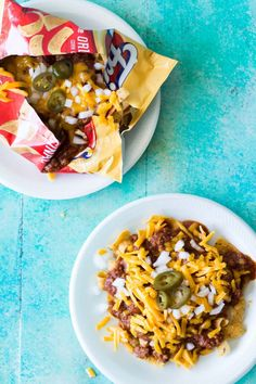This Texas style chili is bursting with meat and spice, and only takes 20 minutes to come together. And this is the ideal chili to have on a Frito Pie! Perfect for gamedays or family dinner! Entree Recipes, Chili Recipes, Easy Dinner Recipes, Mexican Food Recipes, Cooking Recipes, Ethnic Recipes, Mexican Dishes, Delicious Recipes, Texas Chili