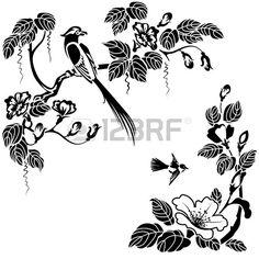 Цветы и птицы в восточном стиле. Черный и белый вектор можно перекрасить в любой цвет.