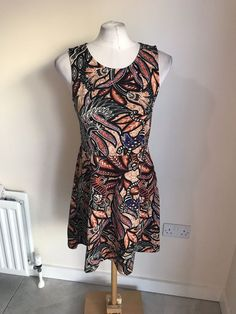 d54c8cf95c6e7 Ladies Brown And Black Leaf Design Dressy Autumn Look Dress Size Medium H&M