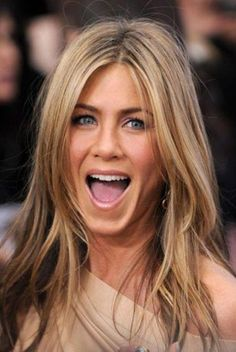 Hair color: blonde balayage trends to adopt in 2019 - Coloration de Cheveux : Les tendances Balayage blond à adopter en 2019 Hair color: blonde balaya - Medium Blonde Hair, Ash Blonde Hair, Blonde Balayage, Blonde Color, Jennifer Aniston Fotos, Jennifer Aniston Pictures, Jennifer Aniston Hairstyles, Jennifer Aniston Hair Color, Long Layered Hair