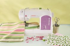 Check out The Singer Curvy 8763 Sewing Machine Review. Another great sewing machine from Singer. We have analyzed the features in details to write the review.