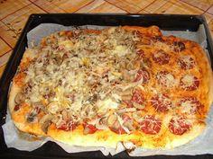 1) Z uvedených ingrediencí vypracujeme vláčné těsto. Na válu ho vyválíme na placku a tu pak položíme na plech vymazaný olejem.  2) Do malé... Keto Meal Plan, Diet Meal Plans, Hawaiian Pizza, Dumplings, Vegetable Pizza, Diet Recipes, Meal Planning, Toast, Bread