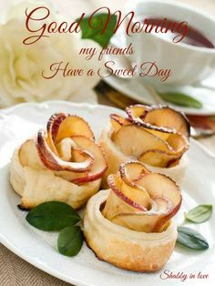 Mini rose apple desserts are a Inn favorite made by our Pastry chefs for todays afternoon tea. Apple Desserts, Mini Desserts, Dessert Recipes, Just Desserts, Apple Rose Tart, Apple Roses, Apple Tarts, Good Food, Yummy Food