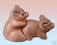 Novelty Salt and Pepper Pots ~ Bonking Pigs