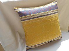 brocade pillow cover  pillow cover  cushion cover  di Ilfilodoro, €34.00