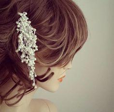 Check out Wedding Hair Comb for Veil, Bridal Hair Accessories, Bridal Pearl Headpiece, Rhinestone Pearl Hair Wine, Pearls Dangle on Bridal Bun on sukrankirtisjewelry