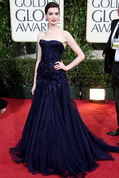 Anne Hathaway wears Armani Prive - Golden Globes 2009