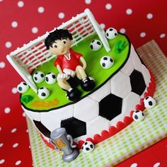 I like this soccer cake Soccer Birthday Parties, Soccer Party, Boy Birthday, Cake Football, Football Themes, Football Birthday Cake, Fondant Cakes, Cupcake Cakes, Sports Themed Cakes