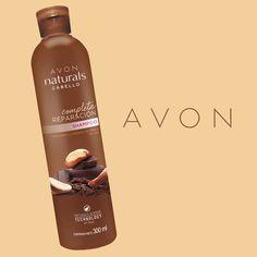 El Shampoo de Chocolate y Castaña de Brasil significa reparación completa. Ideal para cabellos químicamente tratados, además limpia sin remover la keratina.