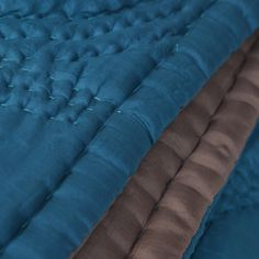 1000 images about linge de lit silk quilted bed covers on pinterest taupe products and mauve for Boutis turquoise