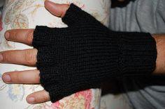 Ulliga, gulliga, färgglada: Torgvantar - ett basmönster i herrstorlek Fingerless Gloves, Arm Warmers, Threading, Fingerless Mitts, Fingerless Mittens